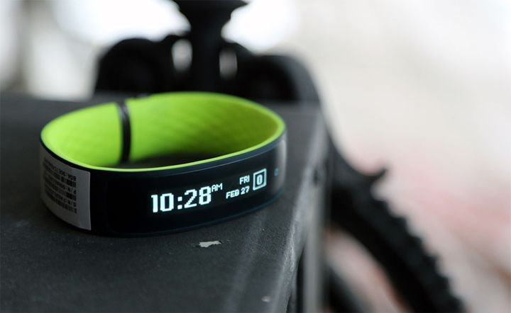 HTC introduced its first new fitness tracker Grip