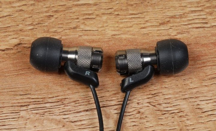 In-ear monitor JVC HA-FRD80 review