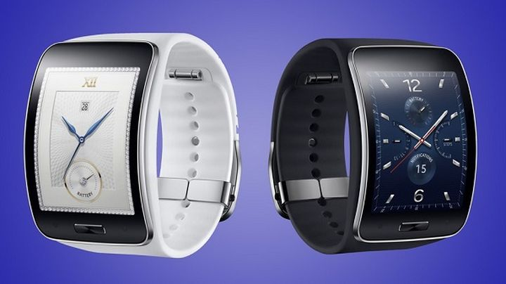 Samsung wins at Pebble palm in the market of smart watches