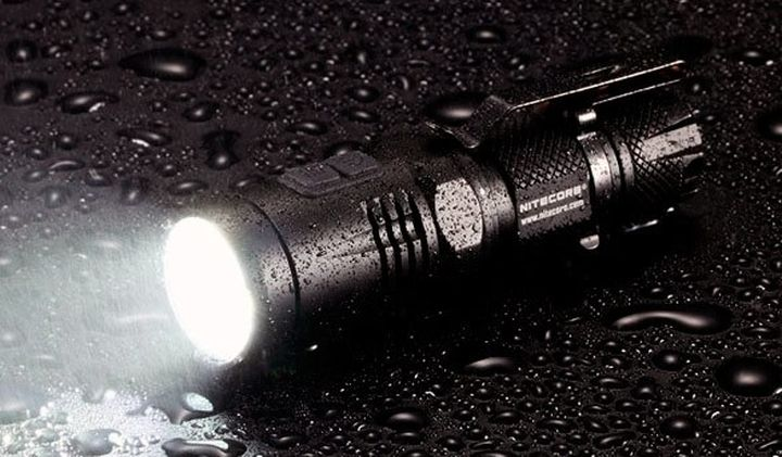 The small and powerful LED lights Nitecore EA11