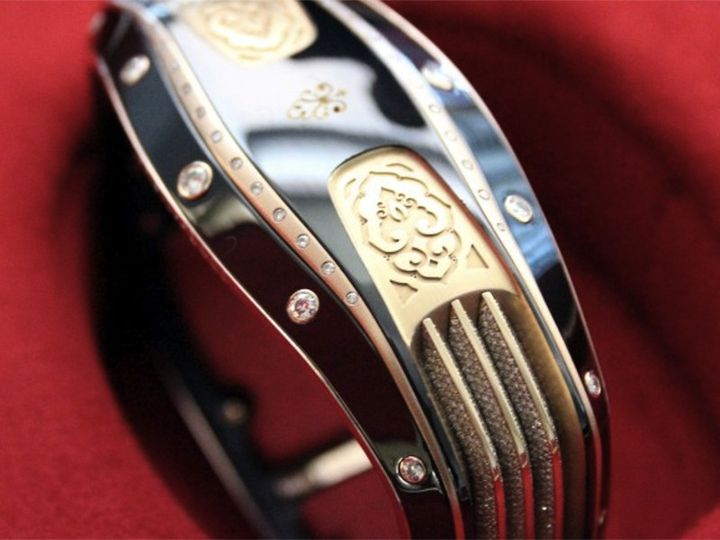 """Smart"" bracelet Armill Apollo hits record most expensive"