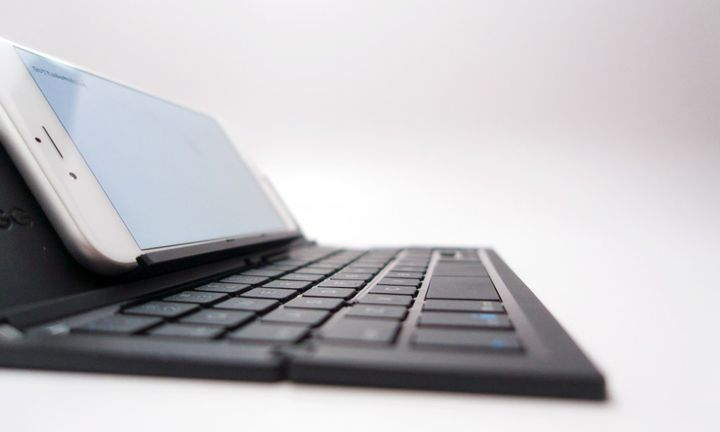 ZAGG - new pocket folding keyboard for smartphones and tablets