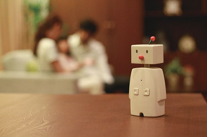BOCCO: a robot to communicate with loved ones
