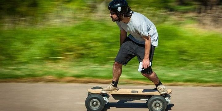 Dominator Pro 4x4 - fast all-terrain electric skateboard