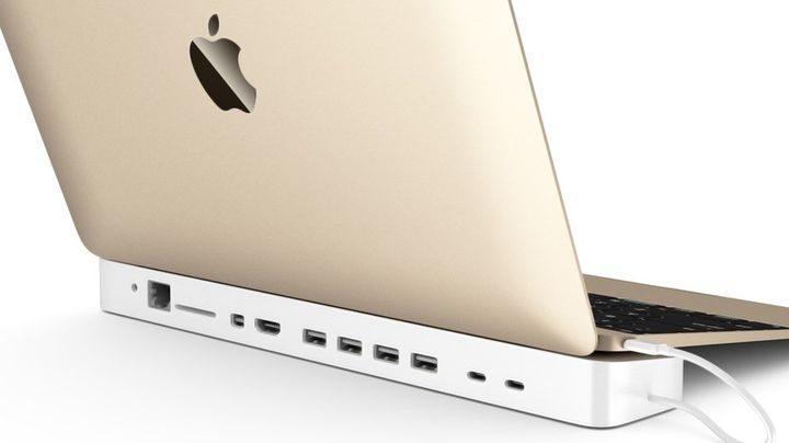 HydraDeck adds 11 more ports for Apple MacBook