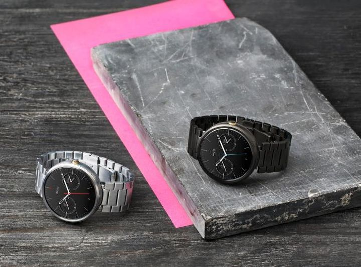Moto 360 With Metal Bands has spectacular selling in India
