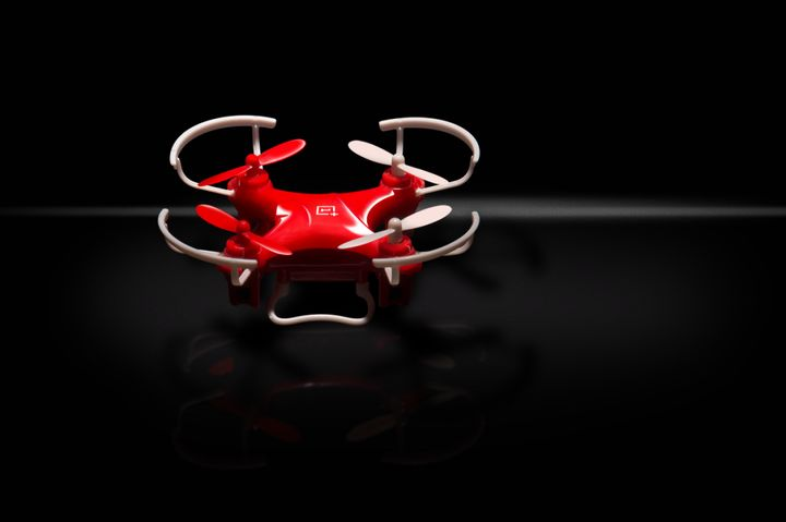 "OnePlus DR-1: a tiny and inexpensive ""drone"""