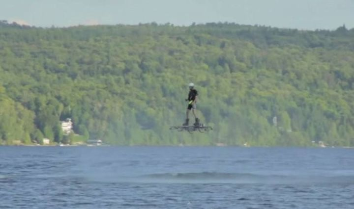 Canadian flew across the lake on the hoverboard