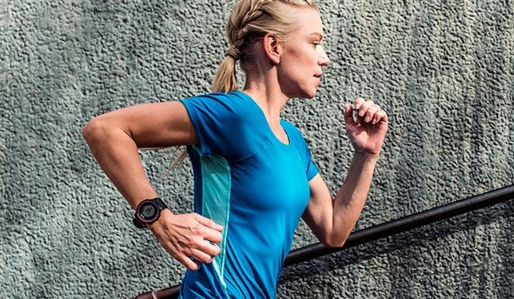 Garmin Forerunner 225 new first -GPS-watch with heart rate sensor