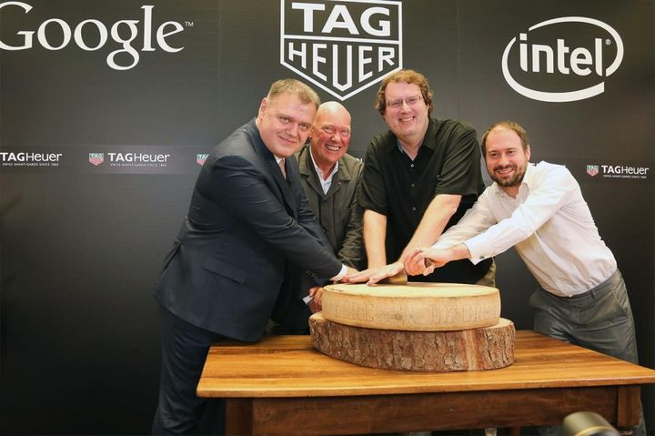 "TAG Heuer began to develop its own ""smart"" watches"