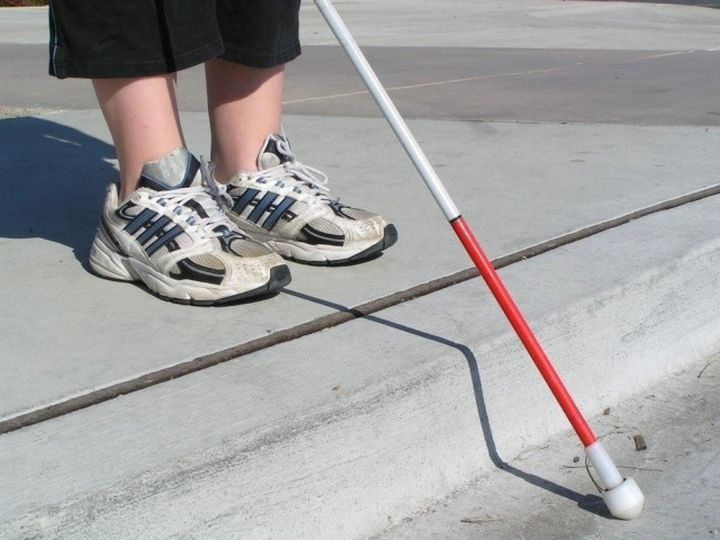 "XploR a new ""smart"" cane for the blind"