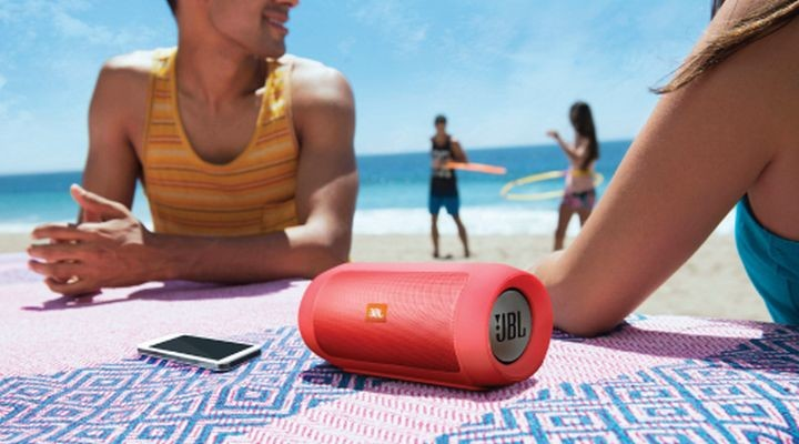 JBL Charge 2+: wireless speakers with protection against water
