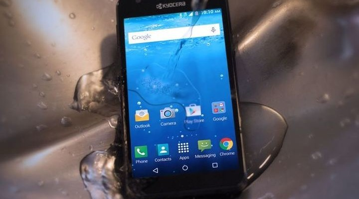 Kyocera Hydro Wave: new protected smartphone from water and downs for $ 150