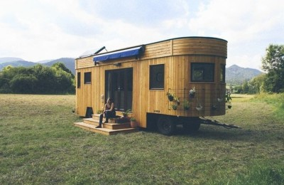 Wohnwagon - autonomous house on wheels