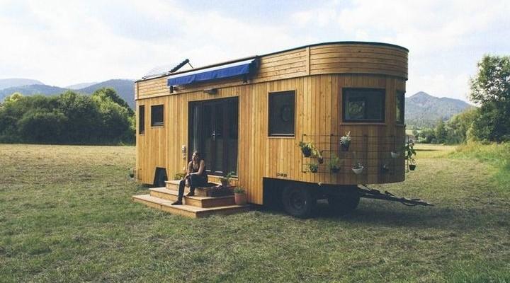 Wohnwagon - autonomous house on wheels