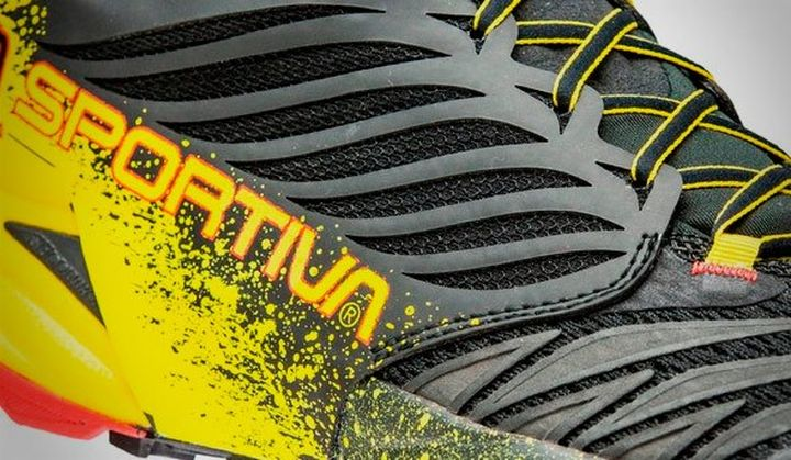 Trainers for running and walking over rough terrain La Sportiva Akasha