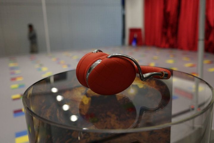 IFA 2015. Presented flagship new wireless headphones Parrot Zik 3