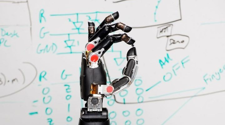 Robotic Hand Restores The Feeling of Touch Again